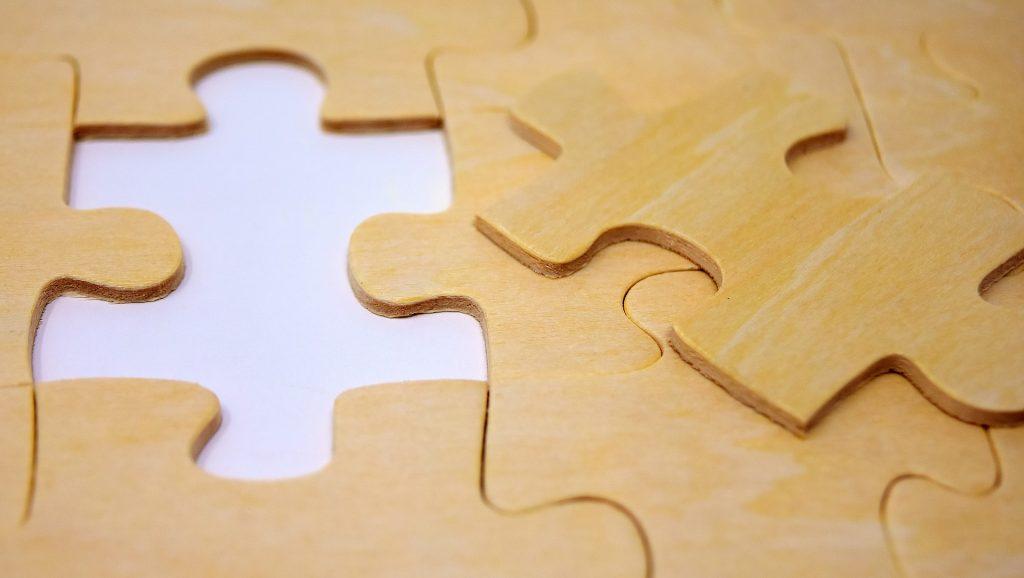 Drewniane puzzle pomogą poznać świat