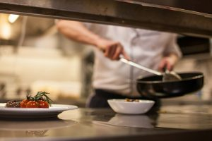 Jaką kuchnię kupić do restauracji?