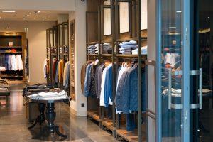 Stylowe i niedrogi ubrania dla kobiet