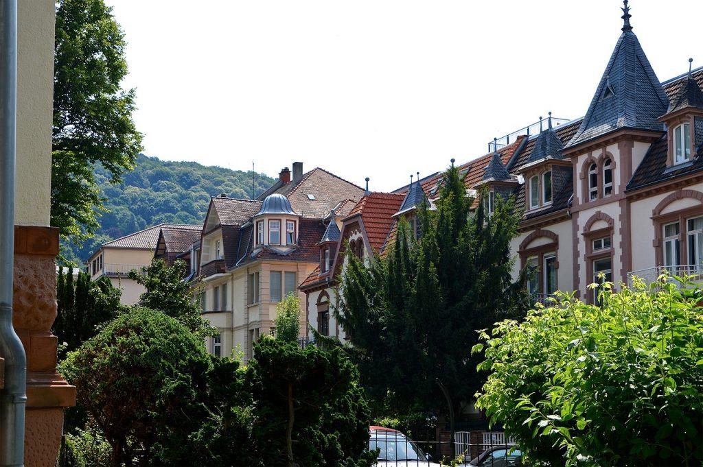 Domy jednorodzinne pod Poznaniem – czy warto wybudować dom blisko Poznania?